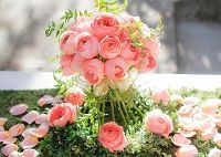 Roses are known as the most romantic flower to send on different occasions. When you are sending Flower Delivery Singapore in a bouquet of roses, you have the options of choosing unique arrangements to express your feelings. The Florist Singapore has a wide range of designs of rose bouquets and other arrangements for roses. Roses