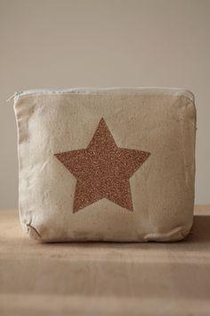 Petite trousse 100% coton écru motif étoile pailletée dorée : Trousses par bog-art