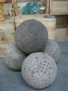 ❧ Hypertufa Spheres. Mix 1 part Portland cement, 1.5 part peat and 1.5  part Perlite.  If you are substituting sand for Perlite use 1 part Portland cement, 1 part peat and 1 part sand.  Make sure everything is well blended and any large chunks of peat are broken up.