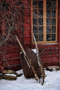 sunflowersandsearchinghearts:    Pinterest - Country Snow via Searching Hearts