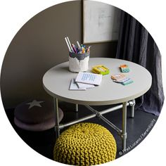 round table to draw or to play on .:serendipity.fr:.