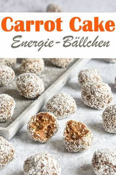 Snack healthy with these Carrot Cake Energy Balls consisting of hazelnuts almonds carrots grated coconut dates etc. vegan Thermomix The post Carrot Cake. appeared first on Orchid Dessert. Carrots Cake, Clean Eating Snacks, Healthy Snacks, Vegan Thermomix, Law Carb, A Food, Food And Drink, Gateaux Vegan, Snacks Sains