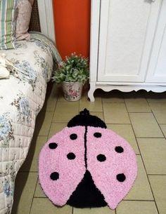Mania-de-Tricotar: Tapete joaninha em crochê. http://mania-de-tricotar.blogspot.com.br/