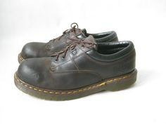 Vintage DOC MARTEN Steel Toe Lace Up Oxfords. by TimeBombVintage
