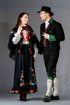 Vest-Agder bunad Norwegian Clothing, Frozen Fashion, Media Design, Traditional Dresses, Norway, Style Inspiration, Costumes, Folklore, How To Wear