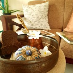 IT'S TIME FOR FALL DECOR IN INDIA NOW! ~ The Keybunch Decor Blog Dried Flower Arrangements, Dried Flowers, India Now, Dry Leaf, Wooden Bird, Fall Pictures, Very Lovely, Decorating Blogs, Autumn Inspiration