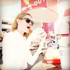 Natalia Vodianova à L.A. http://www.vogue.fr/mode/mannequins/diaporama/la-semaine-des-tops-sur-instagram-43/20837/image/1107442#!natalia-vodianova-a-l-a