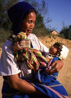Hybrid Rasta Mama: Babywearing Around The World