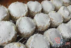 Kokosoví eskymáci - polární vánoční cukroví | NejRecept.cz Graham Crackers, Coco, Cupcake Cakes, Nutella, Stuffed Mushrooms, Muffin, Food Porn, Food And Drink, Cooking Recipes