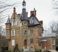 Castel Aubert Adresse : 160, boulevard de la République, Vaucresson, France Créateurs Architecte : Henri Parent Datation 1880