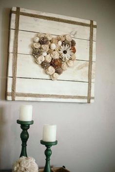 Vintage Farmhouse Decor Charming vintage farmhouse wall decor ideas for a rustic country home to add some rustic flair to your blank walls. Creative Wall Decor, Diy Wall Decor, Diy Home Decor, Burlap Wall Decor, Heart Wall Decor, Bedroom Decor, Farmhouse Wall Decor, Country Decor, Rustic Decor