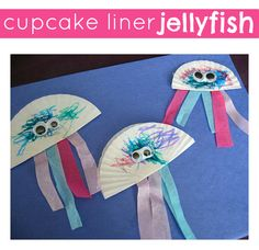 Turn your cupcake liners into jellyfish! Easy ocean themed craft for kids.