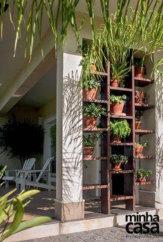 Esta é para quem busca inspiração de jardim vertical....