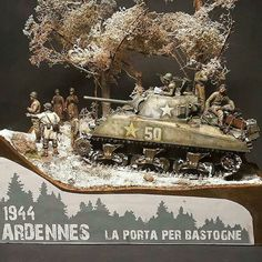 """scale diorama entitled """"The door to Bastogne"""" - Ardennes 1944 by modeler 🏆🏆🏆🏆🏆🏆🏆🏆 ."""