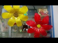 Así se hace una flor con materiales reciclables - YouTube