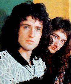 Brian May, John Deacon, and Roger Taylor of Queen. Queen Brian May, I Am A Queen, John Deacon, Great Bands, Cool Bands, Queen Banda, Roger Taylor, Queen Freddie Mercury, Killer Queen