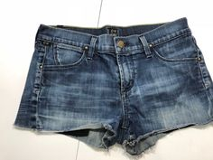 Ladies Citizen Of Humanity Shorts 27 Citizens Of Humanity, Denim Shorts, Clothes For Women, Lady, Fashion, Outerwear Women, Moda, La Mode, Fasion