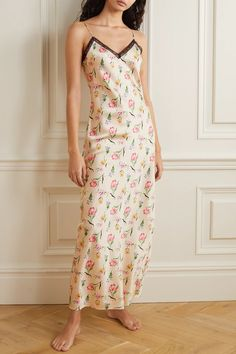 Cream Lexi lace-trimmed floral-print stretch-silk charmeuse nightdress | Morgan Lane | NET-A-PORTER Morgan Lane, Just Style, Next Fashion, Lace Slip, Silk Charmeuse, Beautiful Lingerie, Fashion Advice, Get Dressed, Lounge Wear