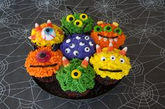 Create your own Monster Cupcakes! An easy and fun halloween party activity for kids. Halloween Party Activities, Halloween Fun, Monster Cupcakes, Create Your Own, How To Make, Profile, Link, Easy, Blog