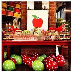 Love the balloons! Apple Theme Parties, Apple Birthday Parties, Baby Birthday Themes, First Birthday Decorations, Girl First Birthday, Birthday Ideas, Benton House, Fall 1st Birthdays, Baby Apple