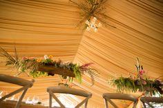 Telas en techo, candiles, arreglo de flores colgantes irresistibleencato@yahoo.com
