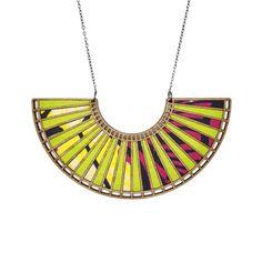 Molly M Designs: Wheel II Necklace