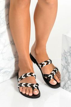 Handmade MYRTO sandals with toe wrap design, feature our signature leather chain straps for minimalist charm. They come in 6 classy colors to choose from. Enjoy how these flat sumemr shoes give an effortless chic complement to your summer wardrobe. EKAVI design features a supportive thick strap decorated with our signature hand-woven chain. Wear this minimalist yet unique pair of slides with everything from pants to summer dresses. Greek Chic Handmades sandals are handcrafted in Athens… Leather Sandals Flat, Leather Chain, Leather And Lace, Toe Ring Sandals, Toe Rings, Summer Outfits Women, Summer Dresses, Effortless Chic, Greek Sandals