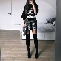Discover recipes, home ideas, style inspiration and other ideas to try. Edgy Outfits, Korean Outfits, Mode Outfits, Grunge Outfits, Simple Outfits, Girl Outfits, Fashion Outfits, Womens Fashion, Style Fashion
