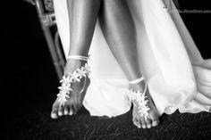weddng barefoot sandals http://studios.MeewMeew.com Hawaii, Maui, Oahu, Big Island, Kauai Wedding Photorapher