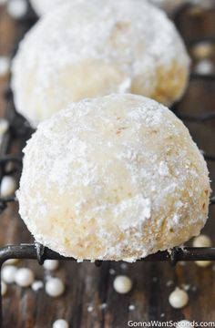 This Italian wedding cookies recipe is the messy, buttery cookie of your dreams! Six ingredients, less than an hour to make, and enough pillowy confectioner's sugar to coat every fingertip and face ha Biscotti Rezept, Almond Biscotti Recipe, Italian Almond Cookies, Italian Wedding Cookies, Almond Meal Cookies, Italian Christmas Cookies, Italian Cookie Recipes, Italian Desserts, Christmas Desserts