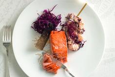 Filetto di salmone con radicchio e panna acida