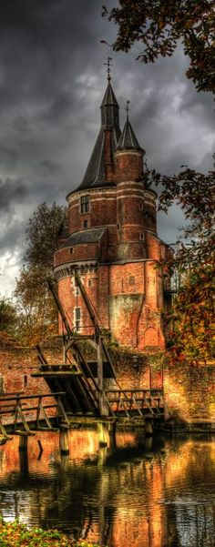 Duurstede castle, Utrecht, Netherlands A medieval castle in the town Wijk bij Duurstede in the province of Utrecht. Places Around The World, Oh The Places You'll Go, Places To Travel, Places To Visit, Around The Worlds, Beautiful Castles, Beautiful Buildings, Beautiful Places, Chateau Medieval