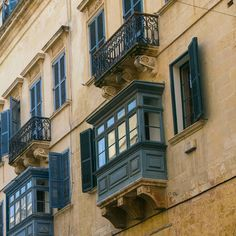 In città pt. 2  #window #house #valletta #nikonitalia #blue #igersmalta #mymaltaguide #malta #valetta #instagood #picoftheday #memories #malte #vacation #maltese #maltaphotography #visitmalta #nikon #photooftheday #d5300 #architecture #view #instagrid #grid
