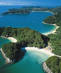 Erlebnisreise Naturwunder Neuseeland. Faszinierende Landschaften erleben - nur ein Beispiel der Abel Tasman Nationalpark.