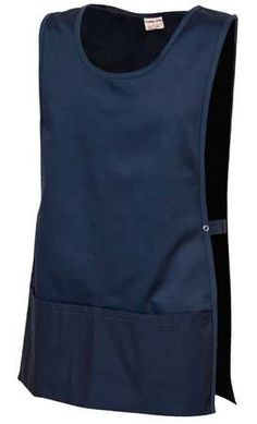 Aprons and gowns not only protect your clothing but will protect your body from painful kitchen burns. Take a look at the features for this Cobbler Apron : COLOR: Navy, SIZE: Xl, FABRIC: Poly Cotton Twill Apron Pattern Free, Vintage Apron Pattern, Retro Apron, Aprons Vintage, Apron Patterns, Dress Patterns, Sewing Aprons, Sewing Clothes, Cobbler Aprons