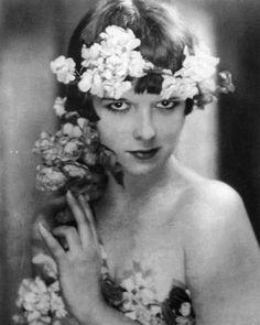HISTORIFUL - Louise Brooks (1905/1985) photographe inconnu