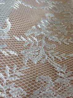 Tecido tela bordada branco