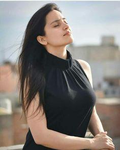 Beautiful Girl Indian, Beautiful Girl Image, Most Beautiful Indian Actress, Beautiful Women, Cute Beauty, Beauty Full Girl, Beauty Women, Black Beauty, Girl Pose