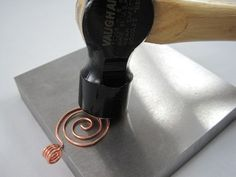 hammering wire jewelry - how to make a spiral pendant with bail ~ Wire Jewelry Tutorials