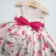 Vestido de Princesa... Disponível na loja. Tam: 2, 3 e 4 anos.  Informações pelo WhatsApp (91)98295.0283/ (91)98115.9290