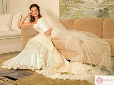 Фата невесты: стили и образы https://www.fcw.su/blogs/moda-i-krasota/fata-nevesty-stili-i-obrazy.html  Свадьба – это яркое событие в жизни. Поэтому девушки стремятся в этот день выглядеть на все сто процентов, создавая свой образ принцессы. Они посещают массу свадебных салонов, выбирая платье, аксессуары, туфли и, конечно же, свадебную фату, без которой вряд ли получится полноценный образ невесты.