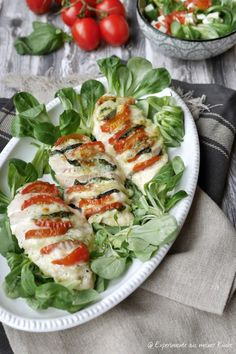 Chicken fans Caprese and my experiences with HEISO - Ketogenic Diet Recipes Diet Recipes, Chicken Recipes, Healthy Recipes, Yogurt Recipes, Poulet Caprese, Caprese Chicken, Healthy Cooking, Healthy Snacks, Food Inspiration