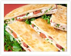 Turkey and Roasted Pepper Quesadillas = Late Night Snack Turkey Recipes, Mexican Food Recipes, Chicken Recipes, Family Meals, Kids Meals, Butterball Turkey, Great Recipes, Favorite Recipes, Boite A Lunch