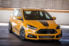 Discover recipes, home ideas, style inspiration and other ideas to try. Ford Fiesta St, Ford Focus Hatchback, Sema 2015, Vw Cc, Eco Friendly Cars, Lifted Ford Trucks, Mustang Cars, Car Ford, Bugatti Veyron