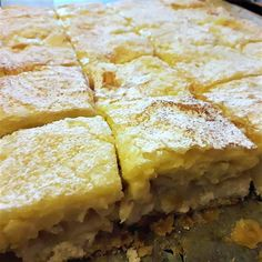 Ezt az almás pudingos receptet mindenkinek el akarod majd mondani, olyan egyszerű és tökéletes! - diabetika.hu Spanakopita, Sweet And Salty, Cornbread, Sweets, Baking, Ethnic Recipes, Food, Hungary, Kitchen