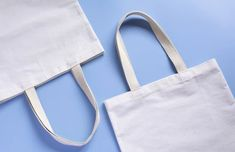 Canvas tote bags are eco-friendly and stylish! Learn about other awesome advantages of canvas tote bags in this article. Wholesale Tote Bags, Retail Bags, Promotional Bags, Beach Items, White Tote Bag, Printed Bags, Reusable Bags, Go Shopping, Gift Bags