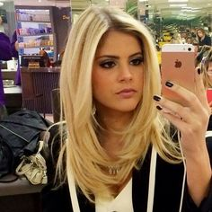The latest information from the world of celebrities, fashion, beauty, hairstyles Thanks to the articles Stylfm you know everything before others! Stay on the wave Косички in 2019 - Thin Hair Cuts Medium Hair Styles, Short Hair Styles, Long Layered Haircuts, Layered Long Hair, Blonde Layered Hair, Blonde Layers, Long Hair Front Layers, Layer Haircuts, Short Hair