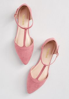 Back Prime T-Strap Flat in -Turn Back Prime T-Strap Flat in - Who loves flats? I do and I'm sure you do too, so get those nude pointy flats! T-strap black Shoe Boots, Shoes Heels, Cute Shoes Flats, Pink Flats, Black Flats, Blue Sandals, Golf Shoes, Dressy Flats, Orange Flats