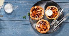 Die Tartelettes sind einfach und rasch zubereitet. Doch Vorsicht: der Duft caramelisierter Äpfel macht das Warten während dem Backen besonders schwer. Valeur Nutritive, Tacos, Mexican, Ethnic Recipes, Food, Apple Fritter Bread, Mini Apple Tarts, Oven Cooking, Cream Pie