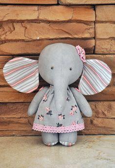 Textile elephant elephant ragtoy elephantElephant doll by Doll Sewing Patterns, Sewing Dolls, Sewing Stuffed Animals, Stuffed Animal Patterns, Pet Toys, Doll Toys, Create An Animal, Handmade Soft Toys, Fabric Animals